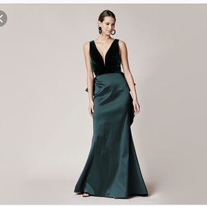 Sashin And Babi - Topanga Gown - Green - Size 12 for Sale in Wadsworth, OH