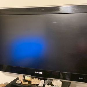 47in flatscreen works perfect for Sale in Brooksville, FL