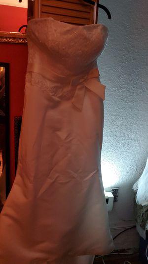 Wedding dress size 14 for Sale in Miami, FL