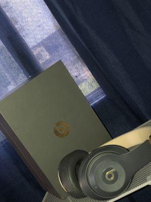 Beats studio wireless like new for Sale in Dearborn Heights, MI