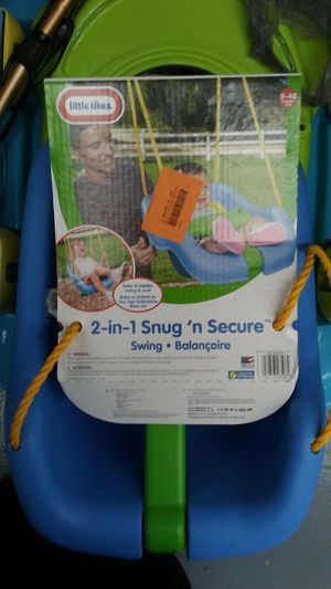Little Tikes 2 in 1 snug and secure swing for Sale in Dearborn, MI