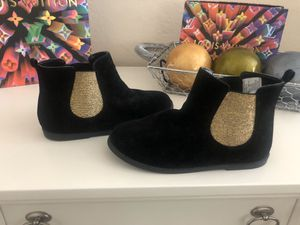 Brand new girls boots black with gold detail super cute SZ 3 for Sale in Fremont, CA
