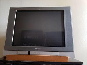 Toshiba 27 inch tube Tv (Free) for Sale in Honolulu, HI