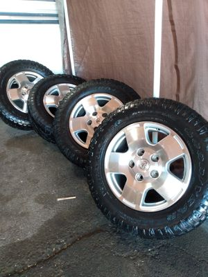 TOYOTA TIRES / 275/ 65 R18 * GOOD CONDITIONS* for Sale in Las Vegas, NV