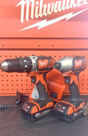 Milwaukee M18 18-Volt Lithium-Ion Cordless Drill Driver Hammer/Impact Driver Combo Kit (2-Tool) w/(2) 1.5Ah Batteries, Charger, Tool Bag for Sale in Lamont, CA
