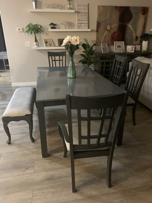 🌸🌺💃🏻Beutiful charcoal 🌪🌪grey farm house dinning table for Sale in North Las Vegas, NV