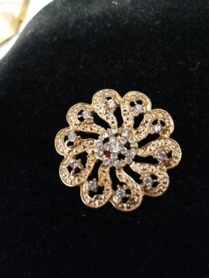 Beautiful pin with rhinestones for Sale in NEW PRT RCHY, FL