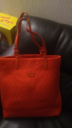 Tangerine color brand new never used official Michael kors shoulder tote bag for Sale in North Miami Beach, FL