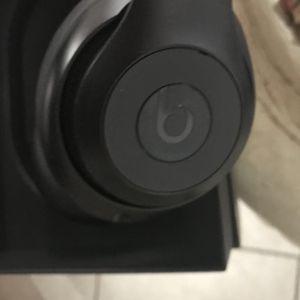 Beats headphones 2020 model studio 3 wireless for Sale in San Diego, CA