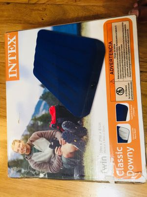 Twin air mattress - Intex brand for Sale in Des Plaines, IL