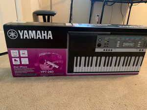 Yamaha YPT-240 keyboard for Sale in Henderson, NV