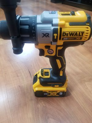 Dewalt hammer drill 2 battery 5.0 and charger for Sale in Chicago, IL