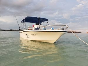 Boat in perfect condition for Sale in Hialeah, FL