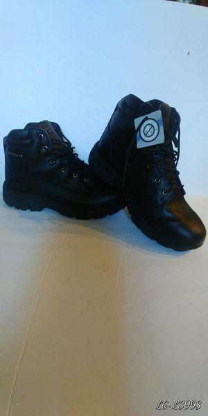 Skechers waterproof men's boots size 10. for Sale in San Diego, CA