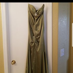 Prom gown for Sale in Tucson, AZ