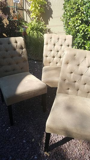 4 Tuft Dining Chairs for Sale in Oyster Bay, NY