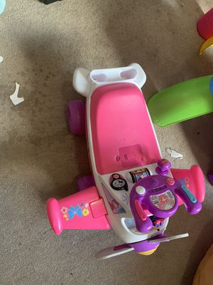 Toys for free for Sale in Hialeah, FL