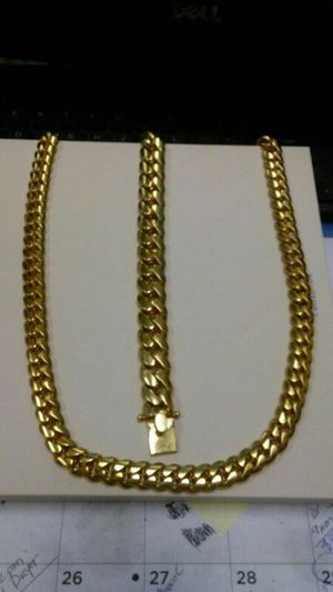 Cuban link chain for Sale in Kissimmee, FL