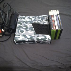 Xbox 360 with Games ( check discription) for Sale in Phoenix, AZ
