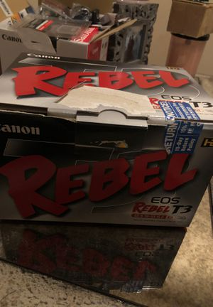 Canon rebel eos T3 camera with lens kit in retail box gently used for Sale in Lawrenceville, GA