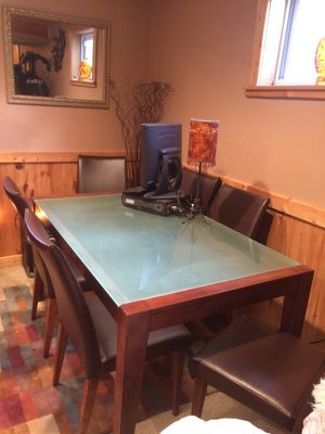 Dining Table for 6 for Sale in Traverse City, MI