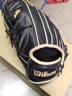Wilson 11.75'' A2000 Series Fastpitch Glove for Sale in Bellflower, CA