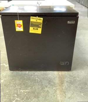 Magic Chef Chest Freezer (Black) 🥶❄️🧊 🤩 90 for Sale in Houston, TX