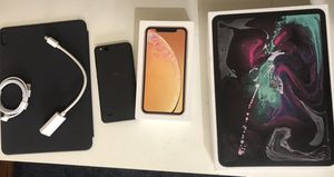 AS IS !! $35 for everything (Apple boxes , Apple accessories and Android phone) for Sale in Seattle, WA