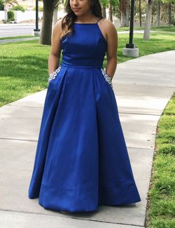 Selling a GORGEOUS navy blue prom dress. for Sale in Henderson,  NV