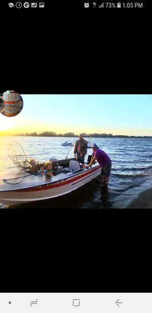 17.5 feet Aluminum boat With a Johnson 40 horse jet pump for Sale in Vancouver, WA