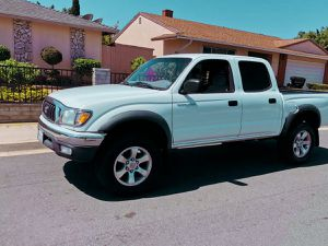 Led headlights 2003 Toyota Tacoma Keyless remote for Sale in Chula Vista, CA