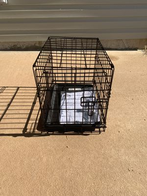 Small dog crate for Sale in Bentonville, AR