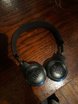 JBL Live 400BT Headphones for Sale in Chicago, IL