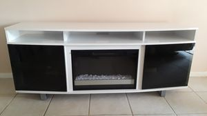 Sorenson White Tv stand for Sale in Melbourne, FL