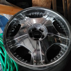 """22"""" rims Chevy unilug for Sale in Evansville, IN"""