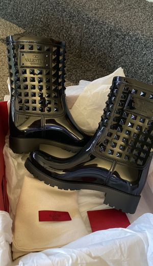 Valentino Rockstud Rain Boots size 39 for Sale in Glendale, CA