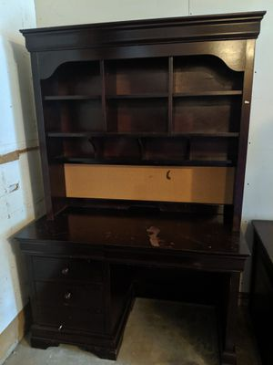 Walter E Smith Dark Cherry wooden desk with hutch - escritorio for Sale in Bloomingdale, IL