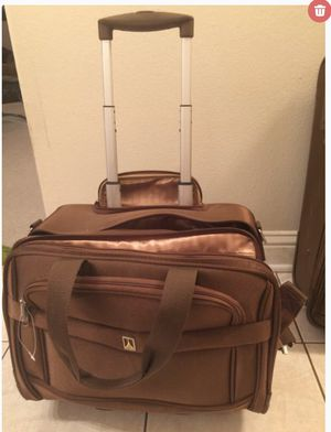 Overnight bag: rolling tote. travelpro for Sale in Houston, TX