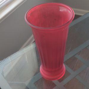 Red flower vase for Sale in Dumfries, VA