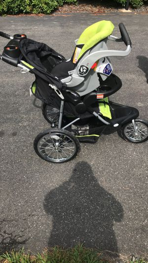 Baby stroller & car seat for Sale in Springfield, MA