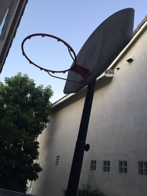 Basketball hoop. Free for Sale in Chino Hills, CA