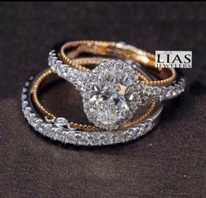 New 18 k gold two tone wedding ring set for Sale in Orlando, FL