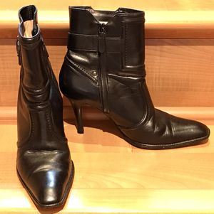 Cole Hann Leather Booties-Boots In Size 8 for Sale in Redmond, WA