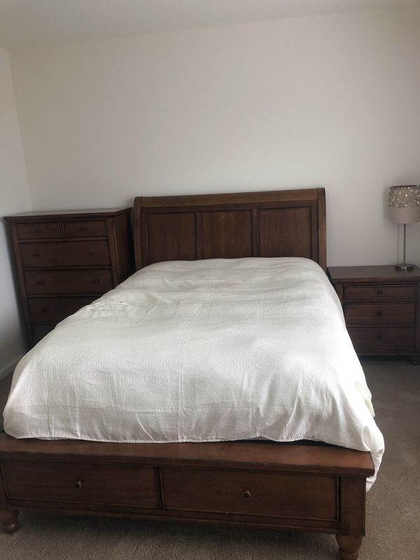 3 piece queen Bedroom set