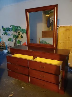 Dresser for Sale in Clovis, CA