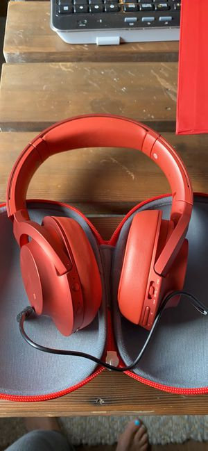Sony wireless noise canceling headset for Sale in Beaverton, OR