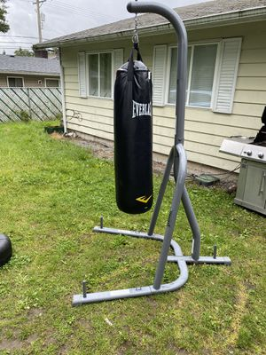 Boxing bag for Sale in Tacoma, WA