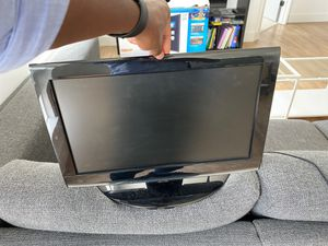 $50 flat screen toshiba tv 16.5 inches wide and 9.5inches height for Sale in Atlanta, GA