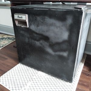 Used Mini Fridge, Works Great for Sale in Columbia, SC