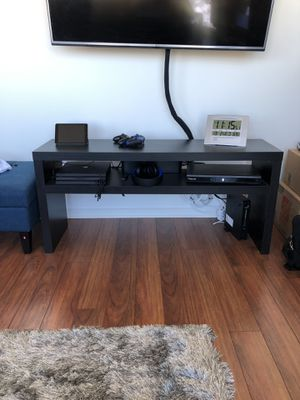 Tv stand $35 for Sale in Chicago, IL